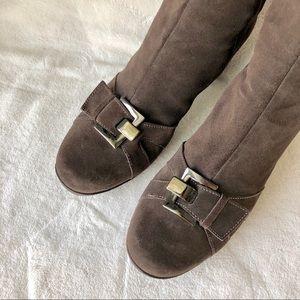 La canadienne sz 10 heeled boots
